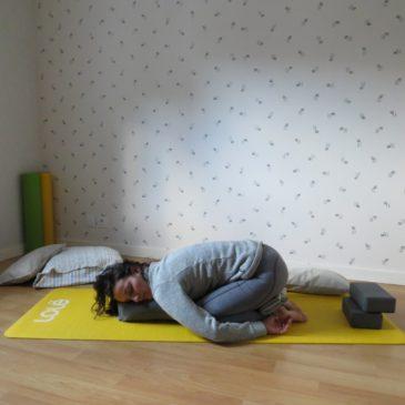 Séquence yoga au féminin